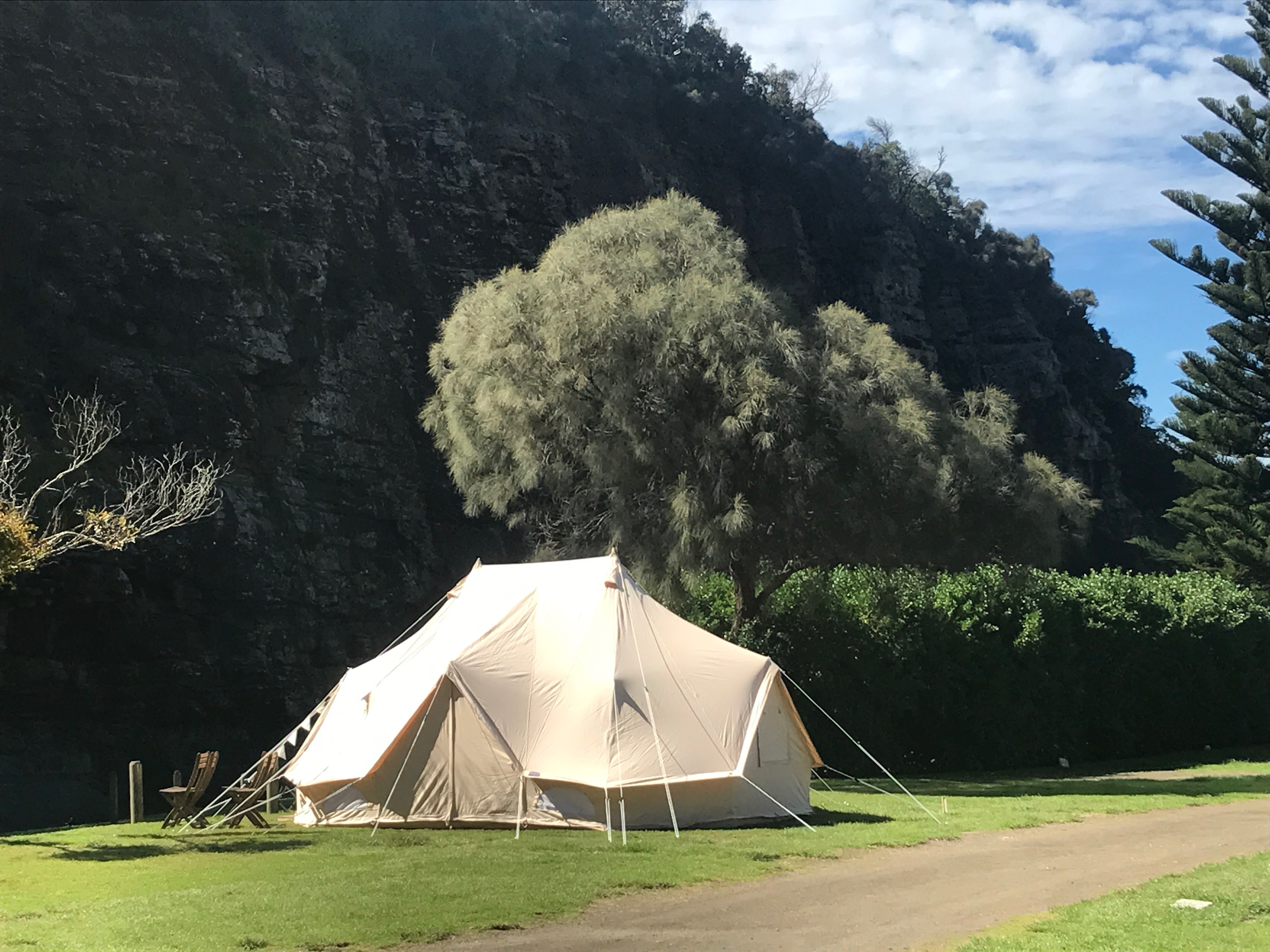 Image of the emperor bell tent, external